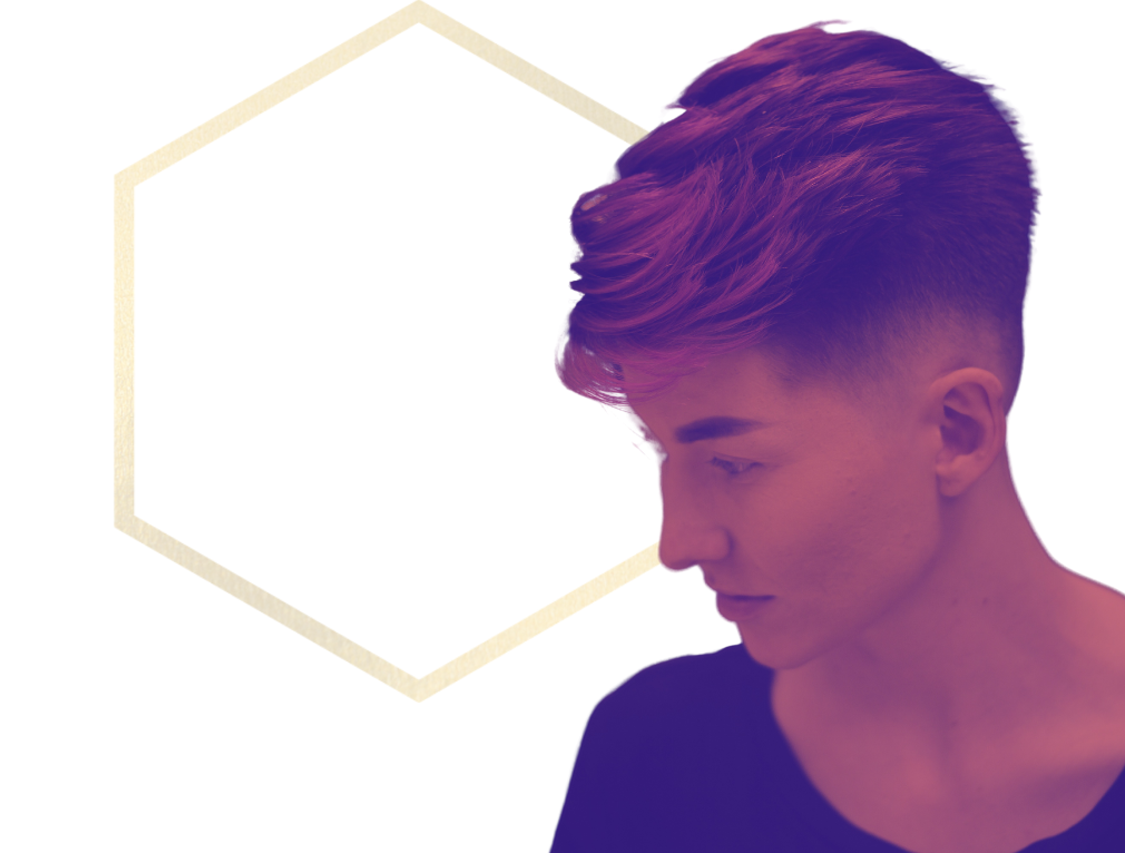 Short textured hairstyle with mid skin fade