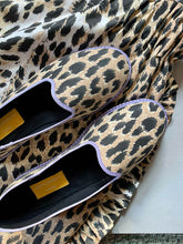 Load image into Gallery viewer, Leopard print Venetian Furlane Slippers with colourful grossgrain - 1 pair with a minimum order of 8 - Pre order now