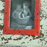 "5"" x 7"" Cream/Red Distressed Wooden Photo Frame"
