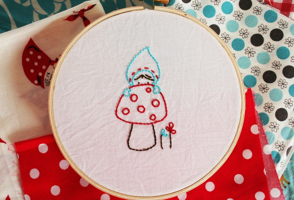 Hiding Gnomie Embroidery PATTERN