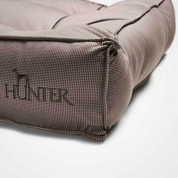 LANCASTER QUILTED BED - BROWN