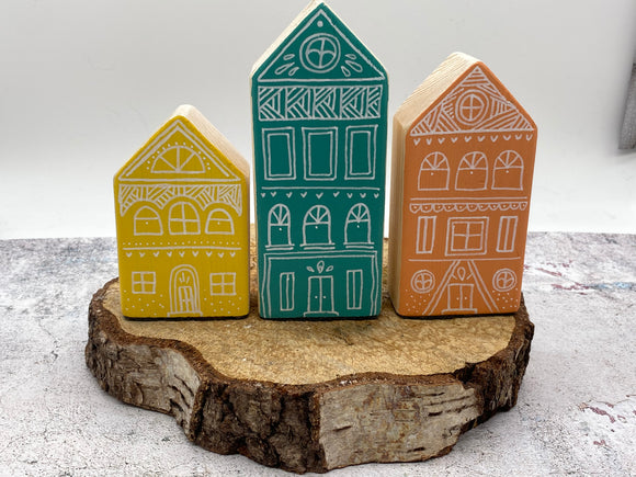 NEW..Hand Made Wooden House Set..SUMMER