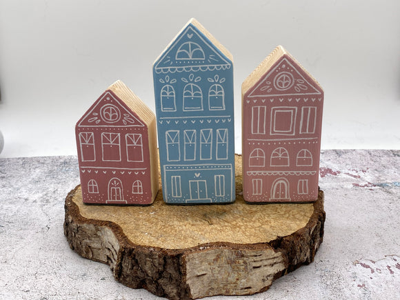 NEW..Hand Made Wooden House Decoration Set- Spring Collection