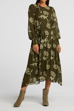 Load image into Gallery viewer, Printed puff sleeve dress