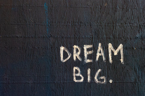 3 mindsets that keep you from dreaming big - goldenlightstartup.com/blog