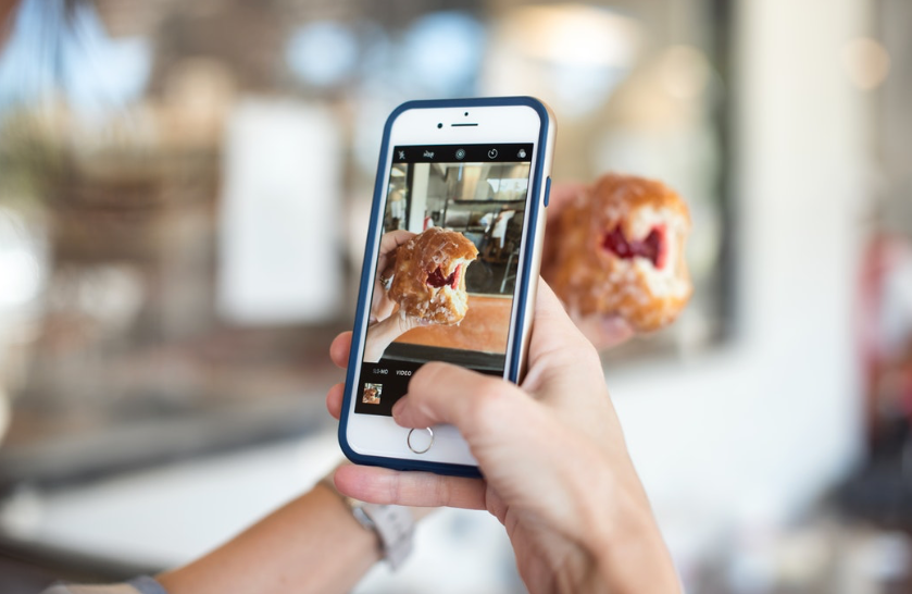 Taking a picture of food with an iPhone