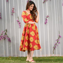 Load image into Gallery viewer, Gorgeous Red Color Heavy Rayon Kurti