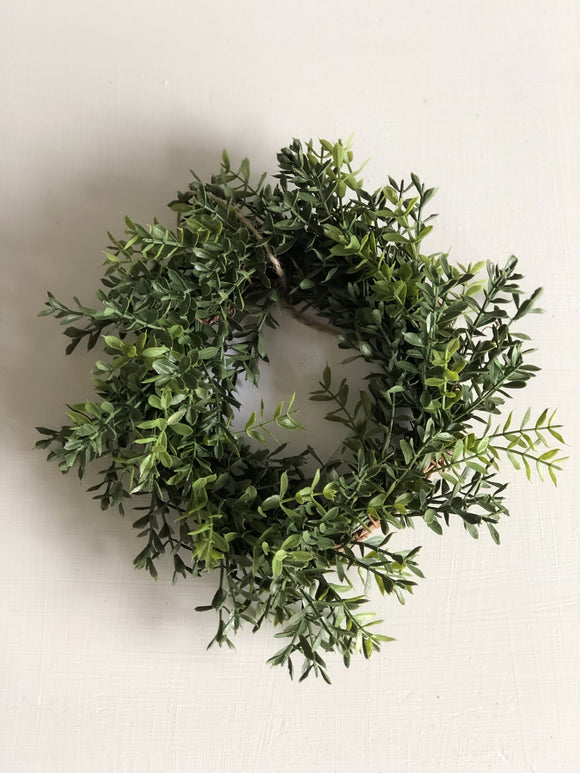 "10"" New England Boxwood Wreath"