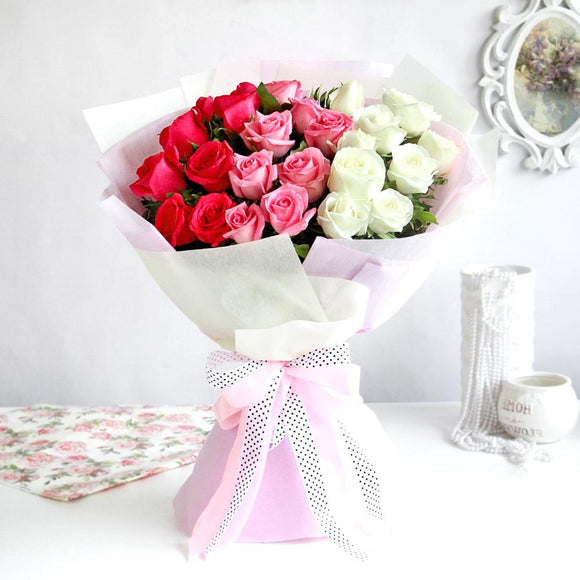 3 Color Roses Hand Bouquet - Carnations Florist Malaysia