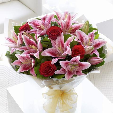 Lily Love - Carnations Florist Malaysia