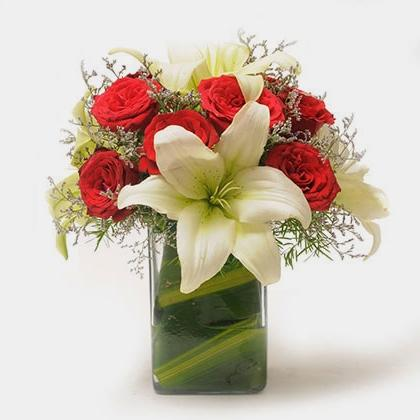 Rose and Lilies in Cute Vase - Carnations Florist Malaysia