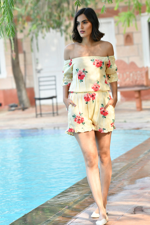FLORAL CREAM OFF SHOULDER CROP TOP WITH SHORTS