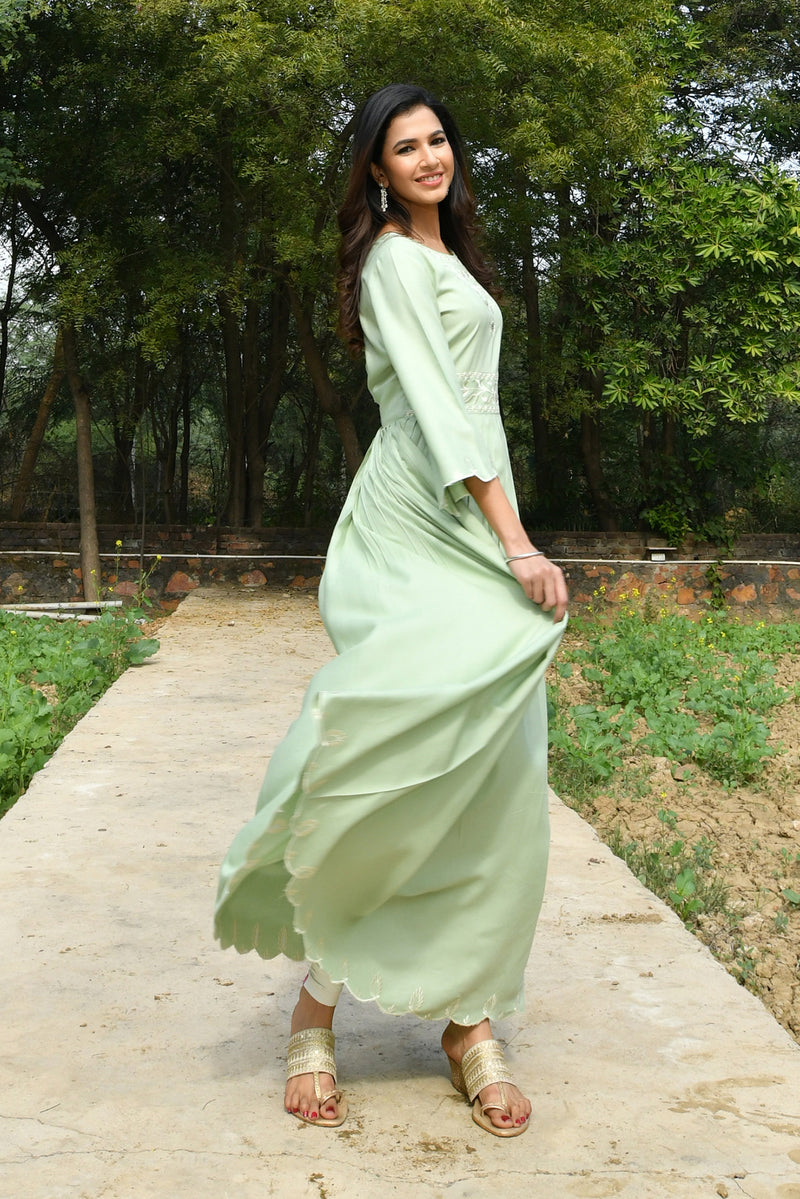 EMBROIDERED SCALLOP HEMLINE MAXI DRESS-OLIVE GREEN