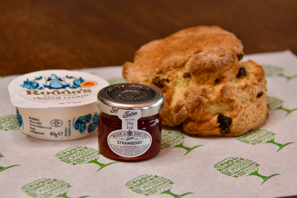 Takeaway cream tea