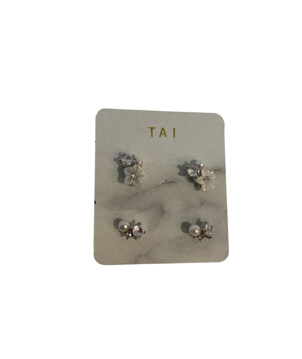 Tai Set of 2 Flower Cluster Silver Studs