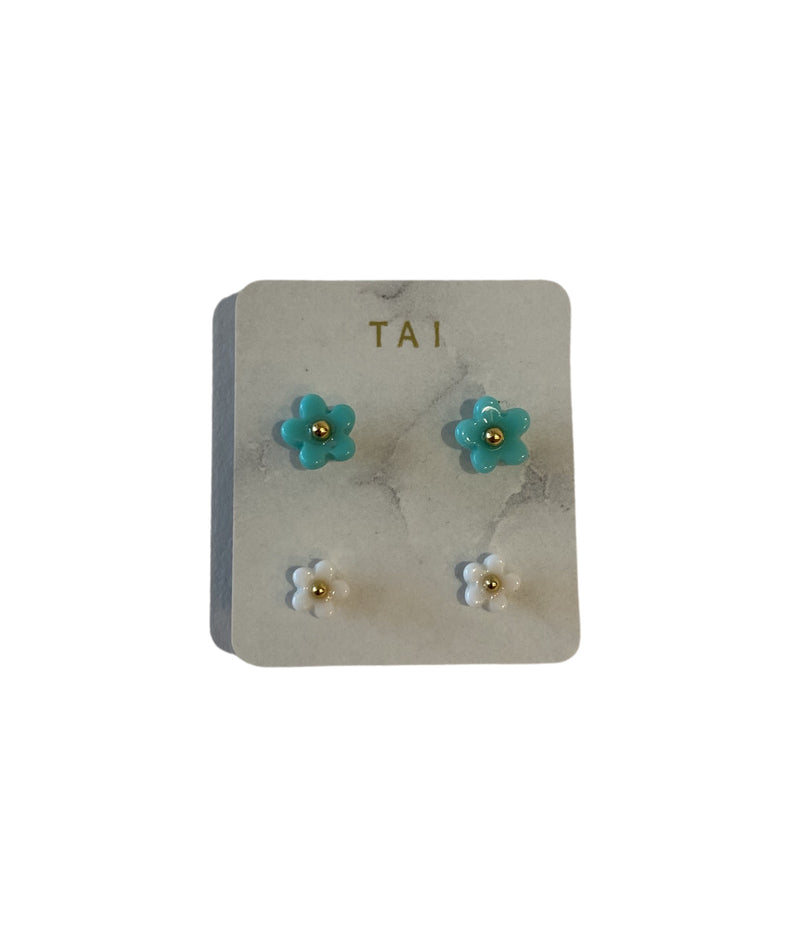 Tai Set of 2 Turquoise & White Flower Studs