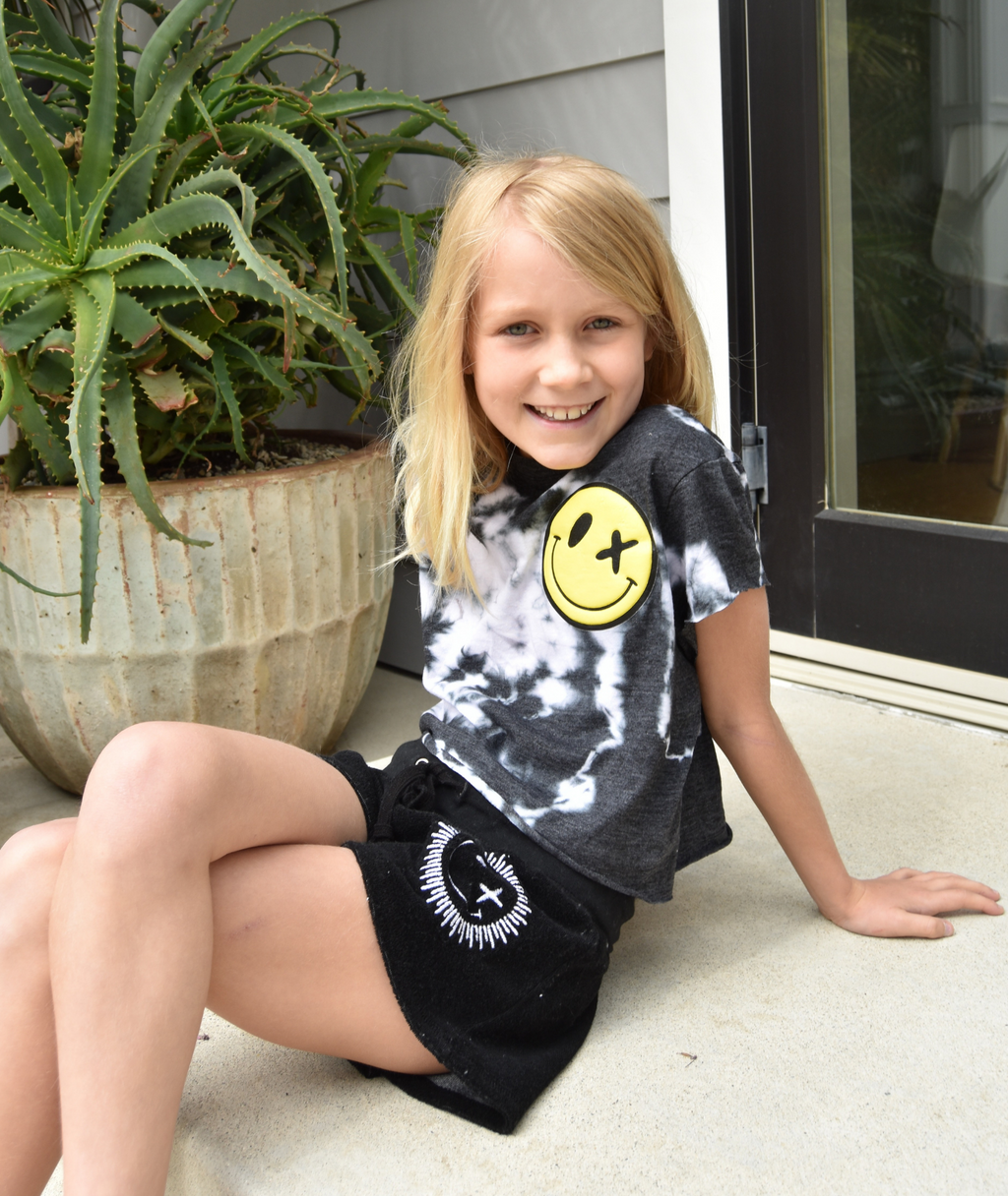 Love Junkie Girls Black Tie Dye Crop Tee Puff Smile