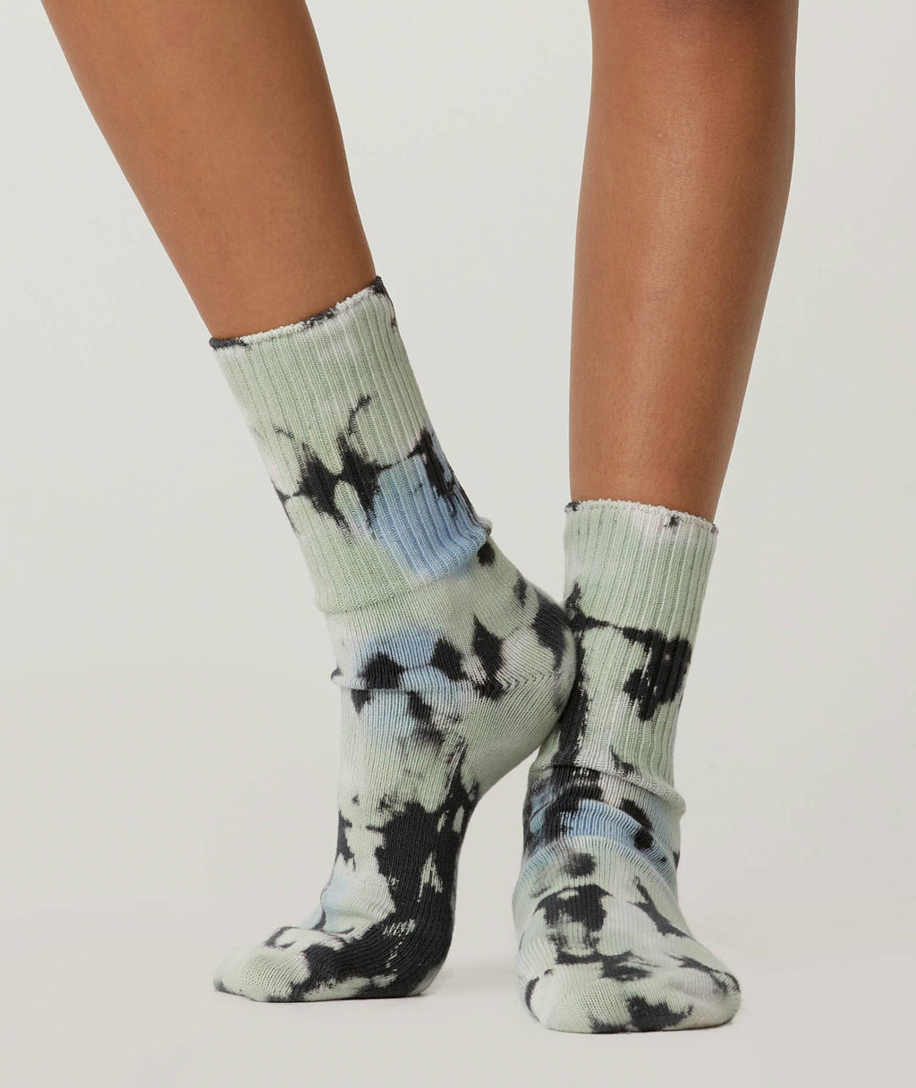 Daydreamer Women Green Wash Tie-Dye Socks