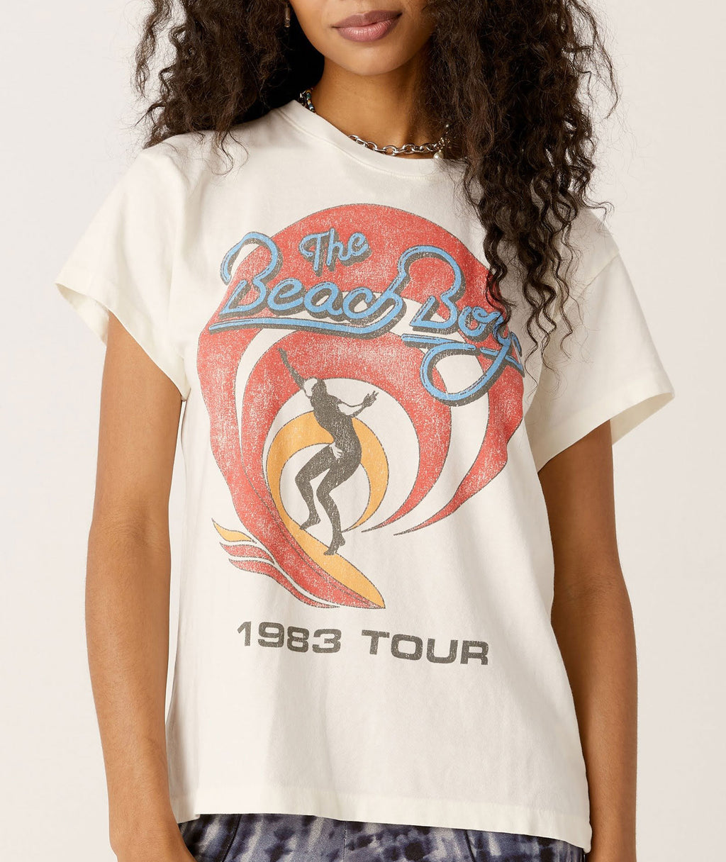 Daydreamer Women Beach Boys 1983 Tour Sun Tee