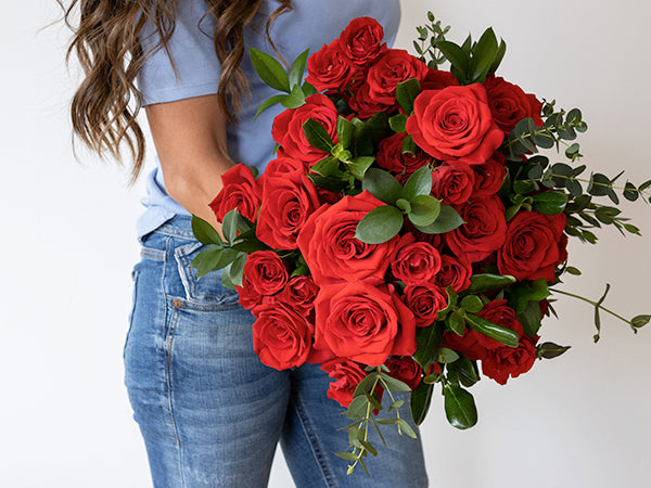 La Florela bouquet roses roses on valentine's day meaning