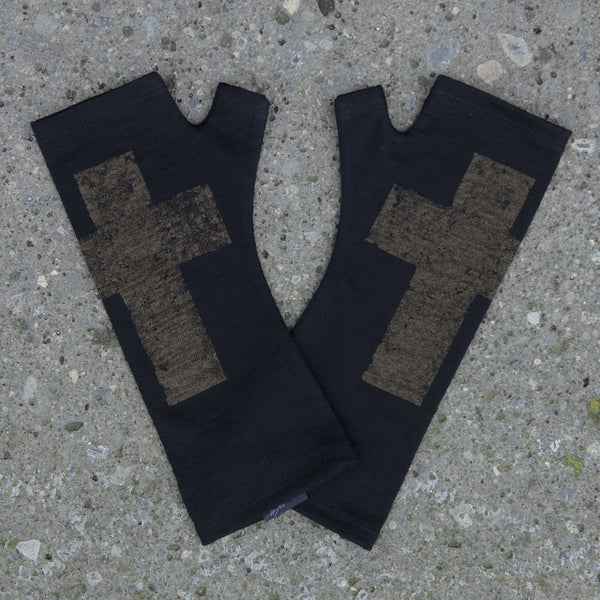 KATE WATTS GLOVES BLACK CROSS