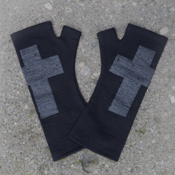 KATE WATTS GLOVES NAVY CROSS
