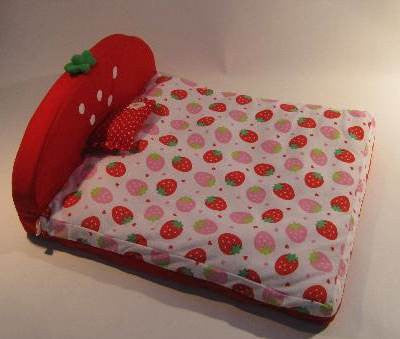 Strawberry Flat Bed with Head Piece - Hannari