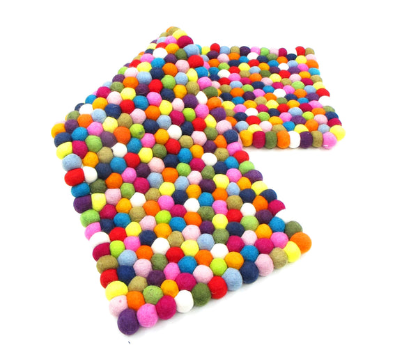 Freckle Ball Table Runner