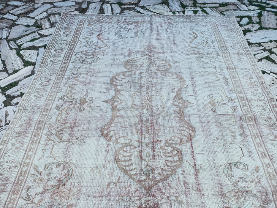wihte faded rug, area rugs, pale carpets, bohemian rugs, 5.11 x 9.1 ft , large rug, oversize rug, vintage  turkish living room rug TR4488