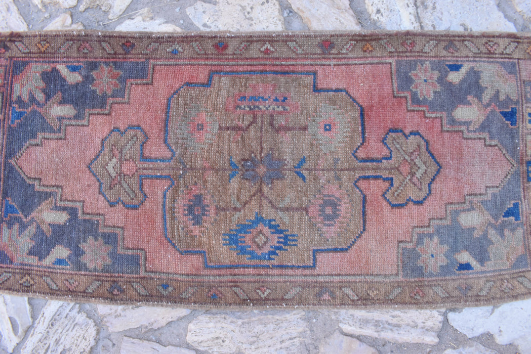 red small rugs, vintage rugs, doormat rugs, 1.7 x 3.10. ft , bohemian rugs, bathroom rugs, turkish rug, handmade rugs, floor rugs #TR7015