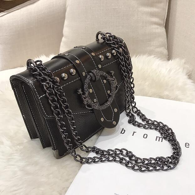 Rivet Lock Chain Shoulderbags