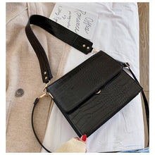 Load image into Gallery viewer, Alligator Crossbody Bag
