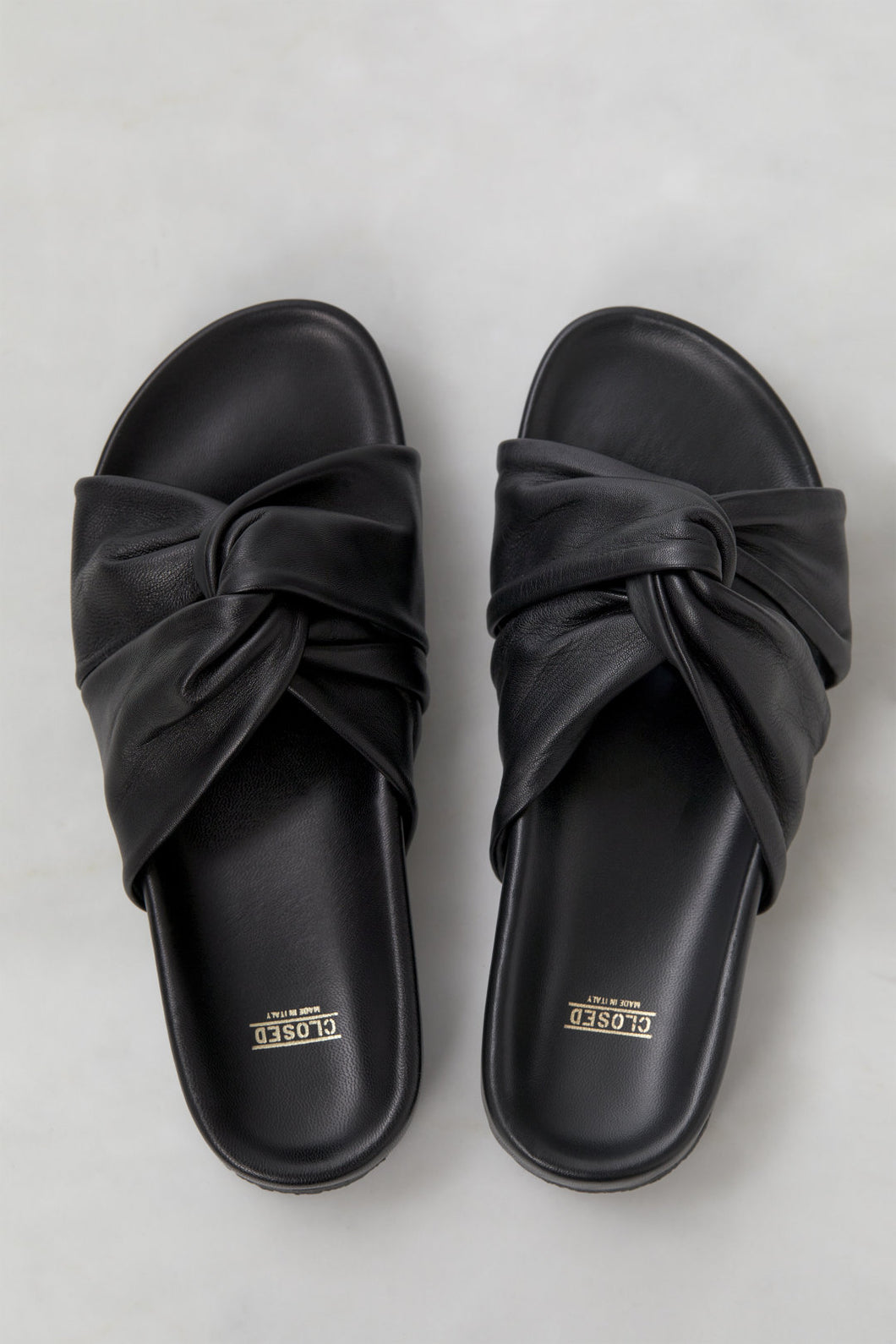 Closed cross sandals Black