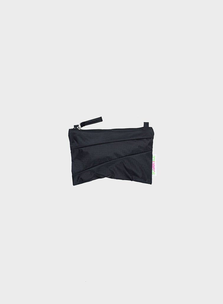The New Pouch Black & Black Small