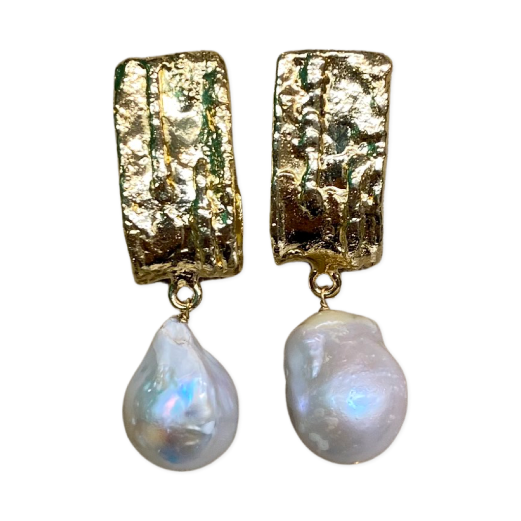 [EE-5253A]Earring - Gold White Metal w/ Baroque Pearls