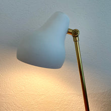 Load image into Gallery viewer, Radiohuset, Table lamp
