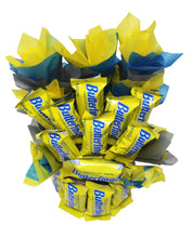 Load image into Gallery viewer, Butterfingers Candy Bouquet Fun Sized image showing top view of arrangement