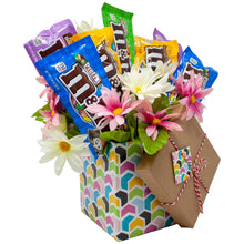 Load image into Gallery viewer, M&M Floral Gift Box Bouquet