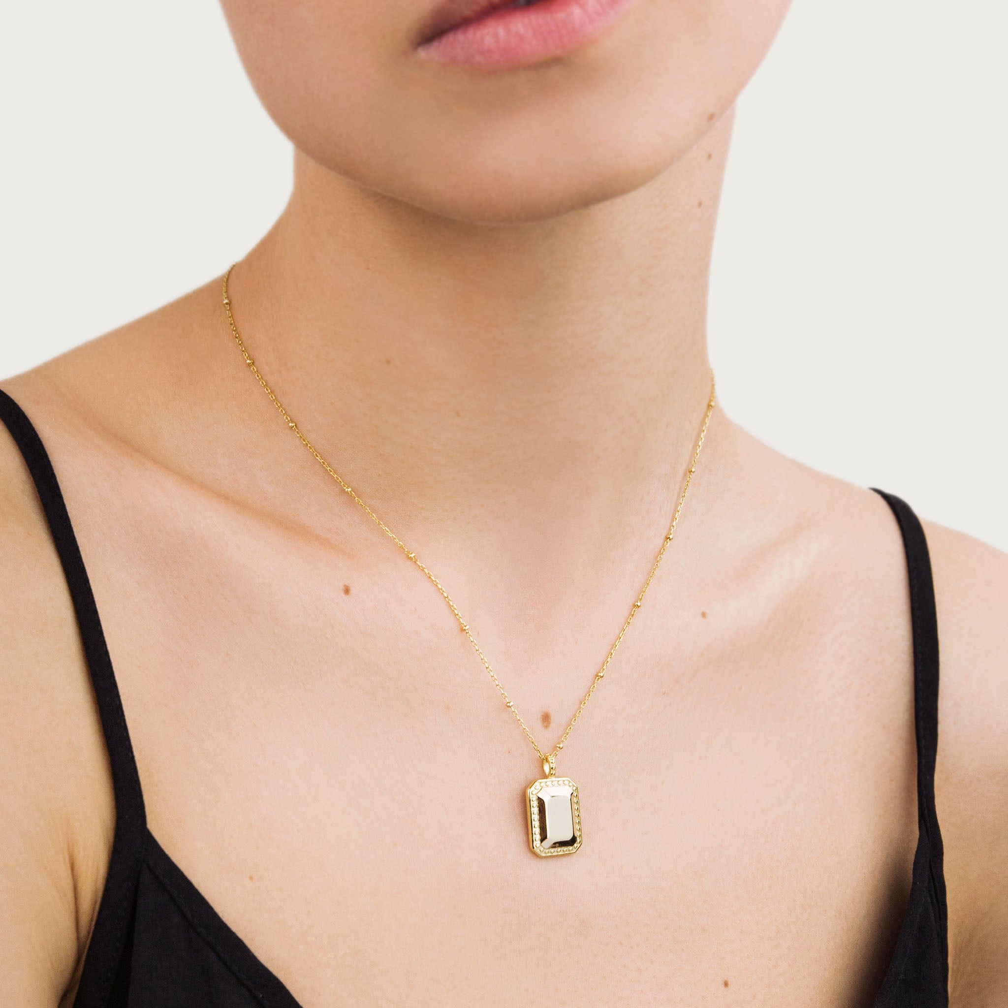 Gold vintage square necklace