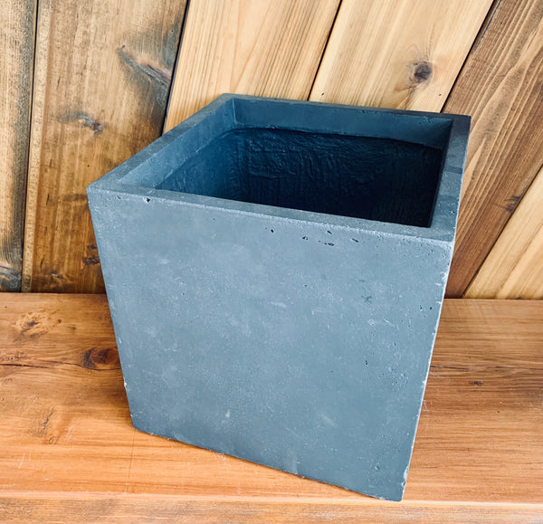Ceramic Planter | Matte Black Square