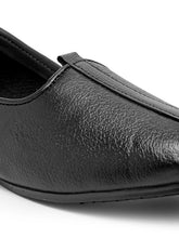 Load image into Gallery viewer, Teakwood Men Black Leather Mojaris||Men's Black Traditional Leather Mojari (Jutti/Loafers)