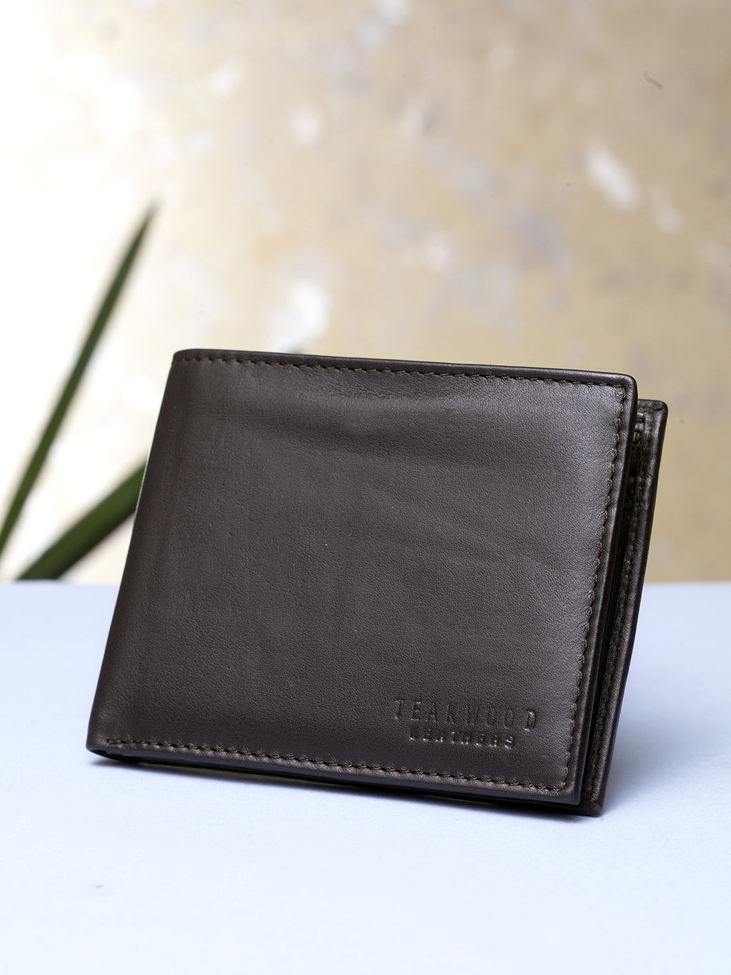 Teakwood Men Genuine Leather Bi Fold Wallet (Brown)