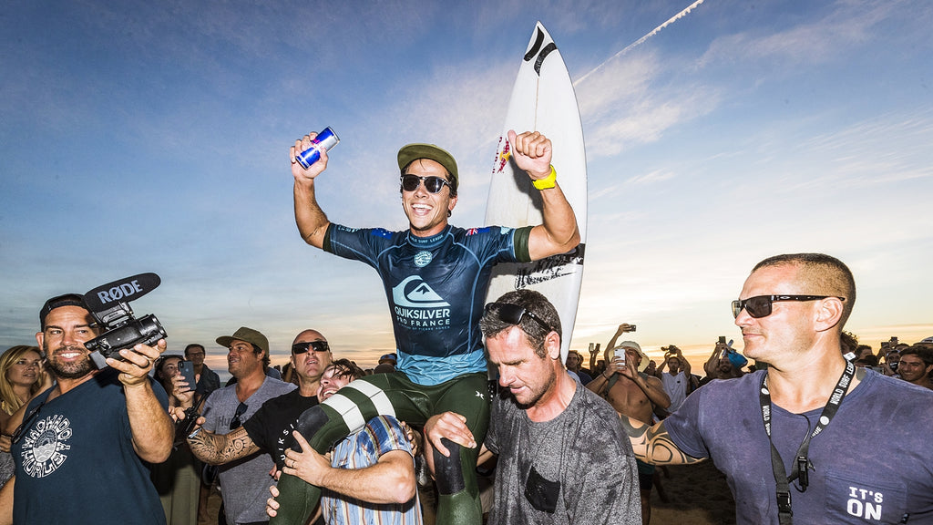 Julian Wilson wins 2018 Quiksilver Pro France. (Photo: WSL / Poullenot)