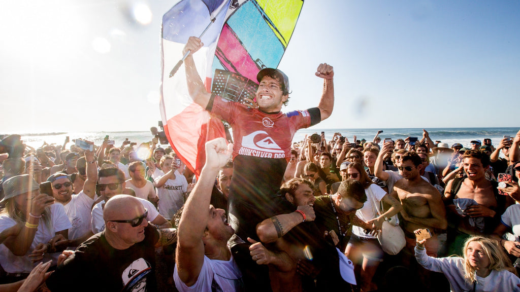 FCS team rider Jeremy Flores wins the 2019 Quiksilver Pro France. © WSL / Masurel