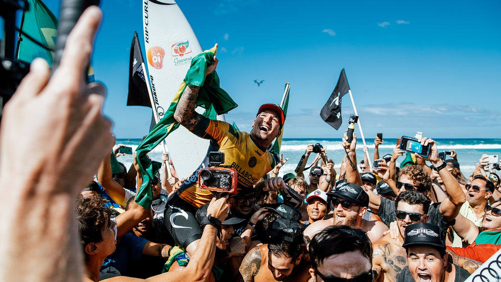 Gabriel Medina Wins 2nd World Title and 1st Pipe Masters. Photo - Sloane / WSL