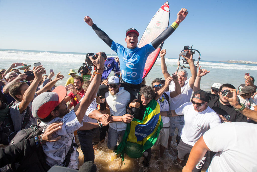 Gabriel Medina claims second-straight victory in Portugal