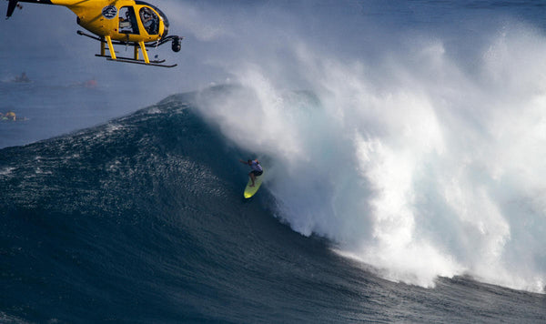 Ryan Hipwood's clean escape during the Semifinal at Jaws earned him the first perfect 10 of the event. WSL / Aaron Lynton