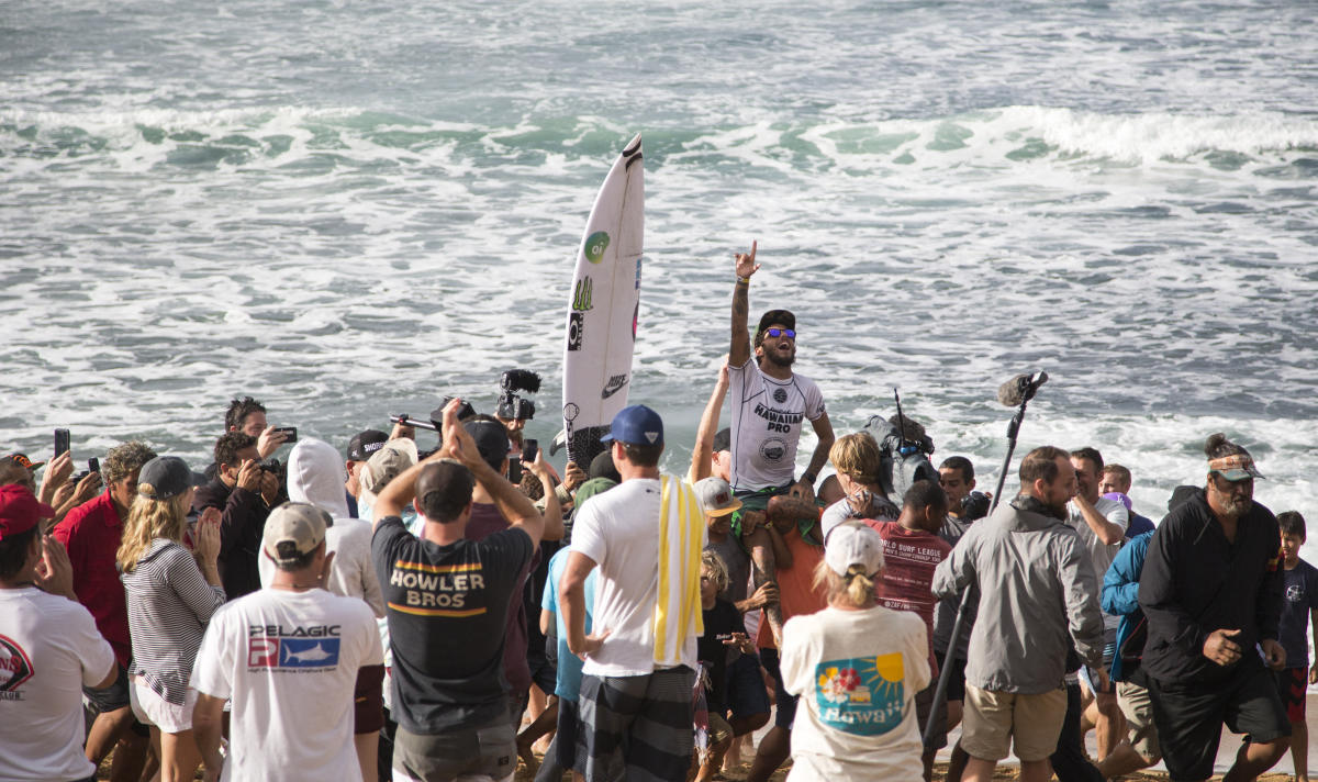 Filipe Toledo Wins 2017 Hawaiian Pro