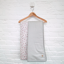 Load image into Gallery viewer, Reversible blanket - Grey check & pink flowers