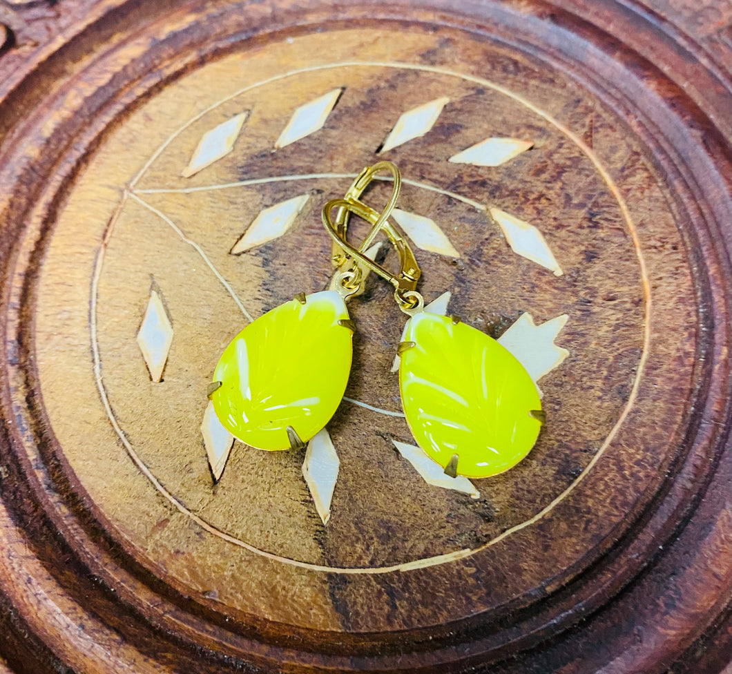 Clustlysau Meringue  Lemon / Lemon Meringue Earrings